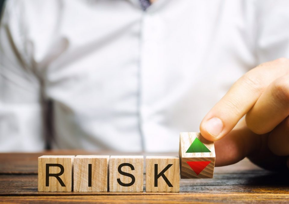 Small-Business-Risk-Factors-to-Consider